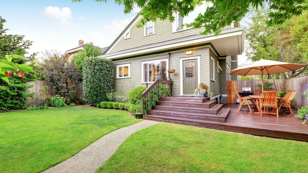 Take Care of These Routine Home Maintenance Tasks This Summer